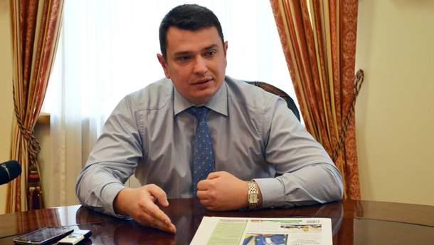Керівника НАБУ Артема Ситника рекламують у київському метро