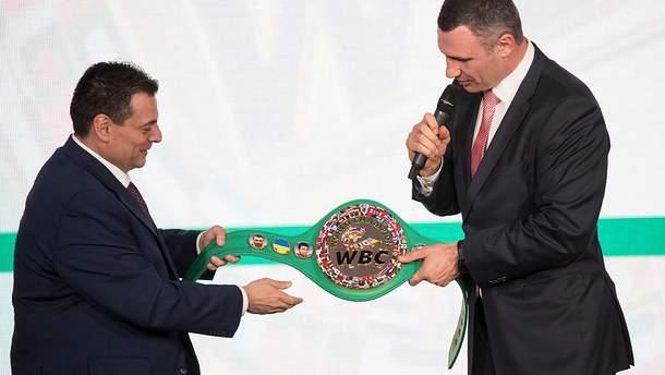 На новом поясе WBC будет украинский флаг