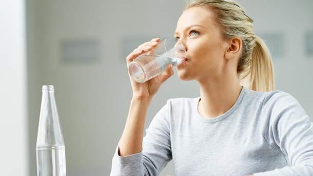 Чому потрібно пити теплу воду в холодну пору року