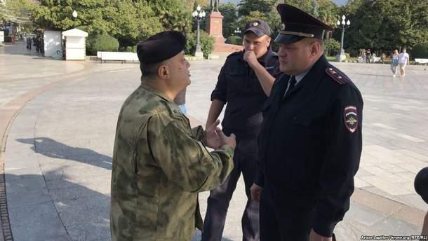Мінасяна затримала російська поліція Криму, бо він вийшов на пікет