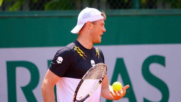 Илья Марченко победил во первом круге турнира в Алматы