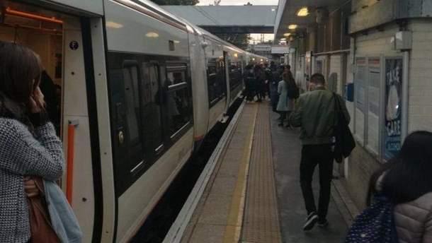 Чоловік у метро наппав на пасажирів