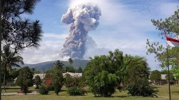 Виверження вулкану в Індонезії