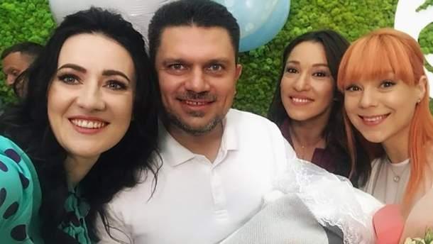 Світлана Тарабарова з чоловіком та подругами