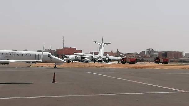 У Судані в аеропорту зіштовхнулися військові літаки Антонова