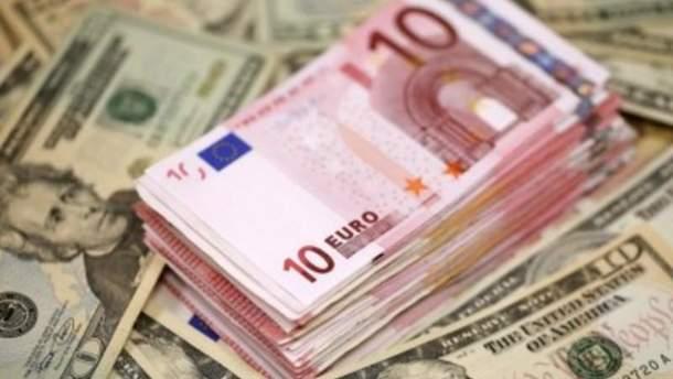 Чому євро стрімко подешевшав