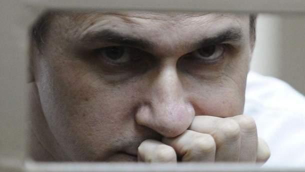 """Адвокат Сенцова розповів подробиці """"відмови"""" політв'язня від голодування"""