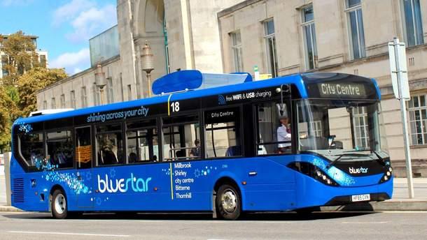 У Британії з'явився автобус, що очищує повітря
