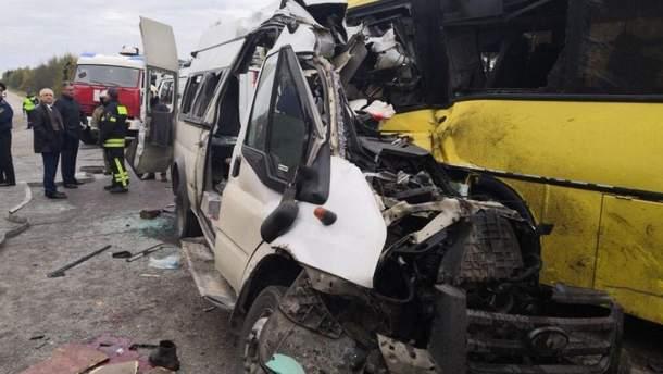 Смертельное ДТП с участием маршрутки и автобуса в России: появилось видео момента аварии