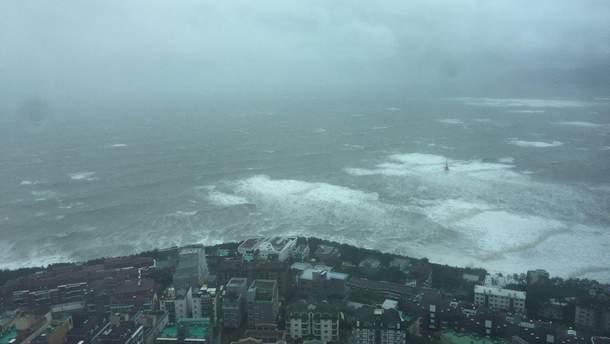 """Тайфун """"Конг-рей"""" обрушился на Дальний Восток"""