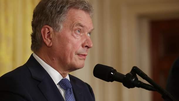 Президентові Фінляндії Саулі Нііністьо не знайшлось місця у залі