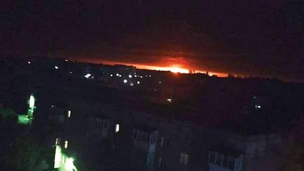 Взрывы на арсенале на Черниговщине: за секунду взрываются по 3 боеприпаса