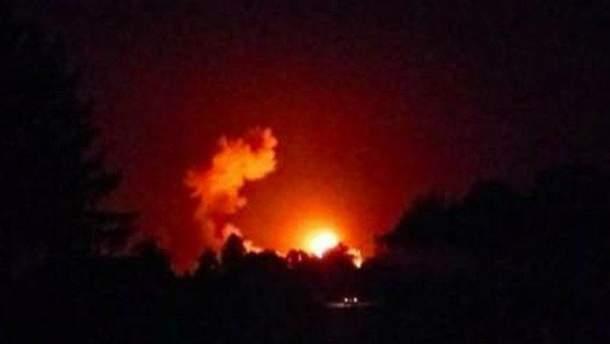Очевидці розповіли про вибухи на складах в Ічні