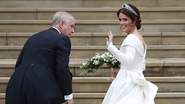 Весілля принцеси Євгенії і Джека Бруксбенка: весільна сукня принцеси Євгенії