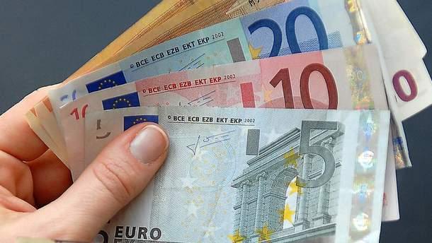 Курс валют НБУ на 10 октября: евро подешевел, стоимость доллара осталась без изменений