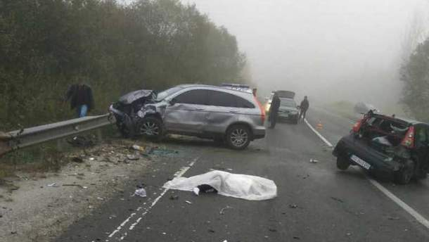 На Львівщині через сильний туман сталися дві смертельні ДТП