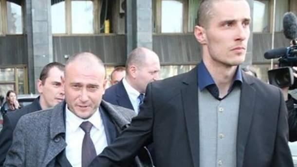 Украинский политзаключенный Александр Шумков справа