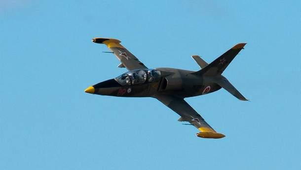 Учебно-тренировочный и учебно-боевой самолет L-39