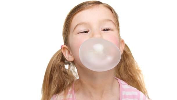 Что произойдет, если ребенок проглотит жевательную резинку