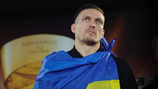 Александр Усик готовится к бою против Тони Беллью