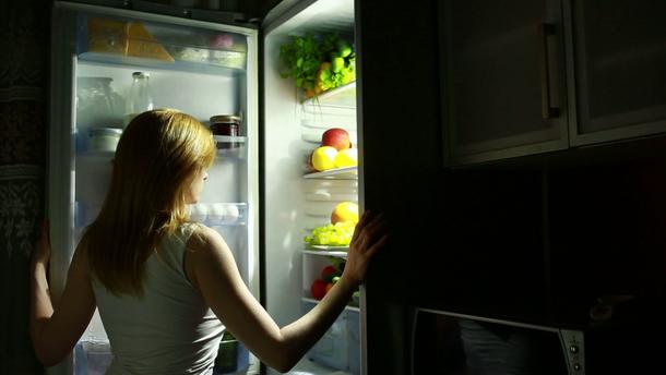 Чому виникає нічний апетит