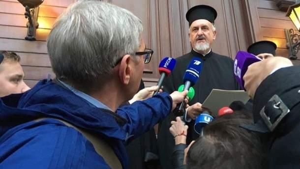 Митрополит Гальський Еммануїл зачитав рішення Синоду