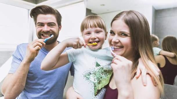 Що станеться, якщо не міняти зубну щітку кілька місяців