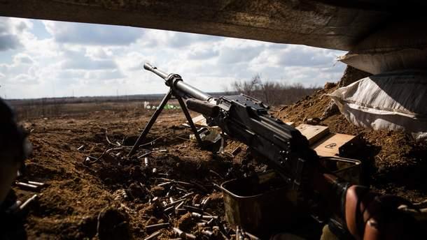 Бойовики обстрілювали українські позиції 26 разів, один український воїн отримав поранення