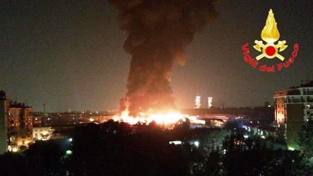 На сміттєзвалищі біля Мілана сталась масштабна пожежа