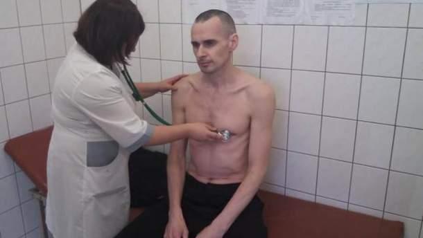 Сенцов вышел изголодовки стяжелыми последствиями для здоровья,— Каплан