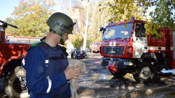 На военных складах возле Ични до сих пор слышны взрывы