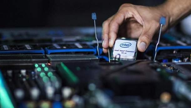 """Intel планує """"поховати"""" виробництво 10-нанометрових процесорів"""