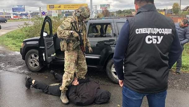 СБУ разоблачила банду торговцев оружием