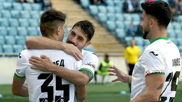 У13-му турі Прем'єр-ліги завтра «Карпати» зіграють проти «Чорноморця»