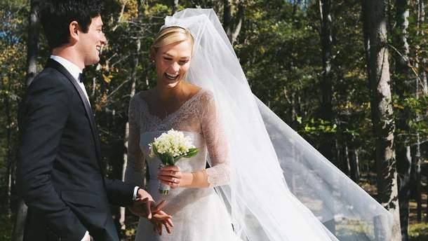 Карлі Клосс вийшла заміж за Джошуа Кушнера