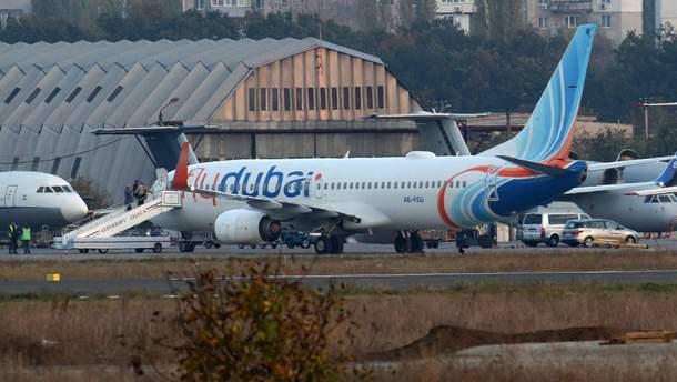 З'явилися деталі надзвичайної ситуації із задимленим літаком в аеропорту Одеси