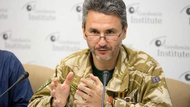 Геннадій Друзенко звернув увагу, що наразі ніхто з кандидатів у президенти України не відповів зрозуміло, що робити з війною на Донбасі