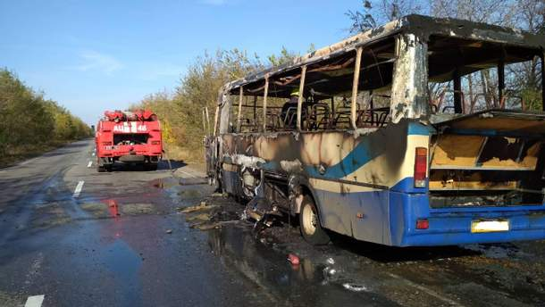 На Дніпропетровщині згорів автобус