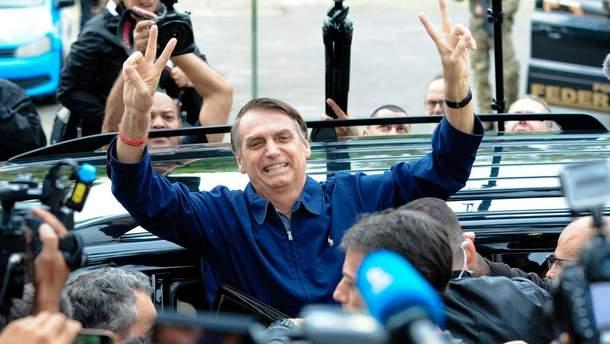 Жаир Болсонару побеждает на президентских выборах в Бразилии