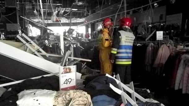 Подвесной потолок обвалился в торговом центре в польском Жешуве