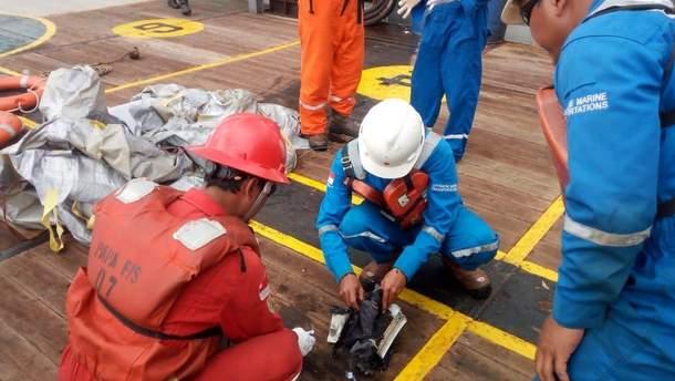Катастрофа самолета Boeing 737 в Индонезии