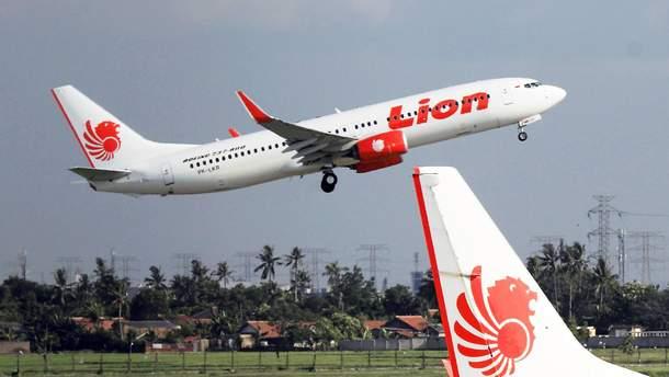 З'явилась історія про щасливчика, який дивом не сів на літак, що розбився в Індонезії