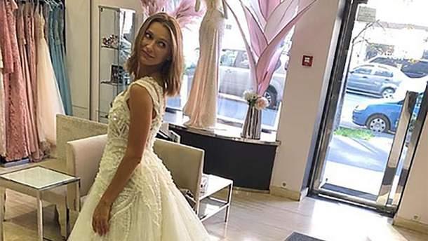 Tayanna приміряла весільні сукні