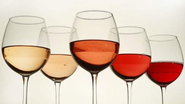 Дієтологи дозволяють випити невелику кількість якісного вина, якщо у Вас немає хронічних захворювань
