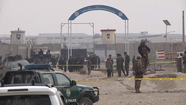 В Афганістані розбився гелікоптер з військовиками та стався вибух