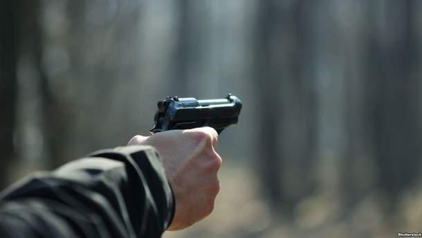 В Бердянске грабитель устроил стрельбу, раненные в тяжелом состоянии