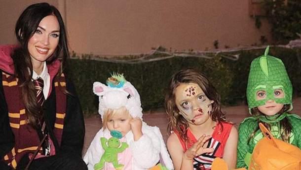 Меган Фокс з дітьми