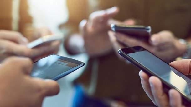 Вчені попередили про смертельні наслідки випромінювання від мобільних телефонів