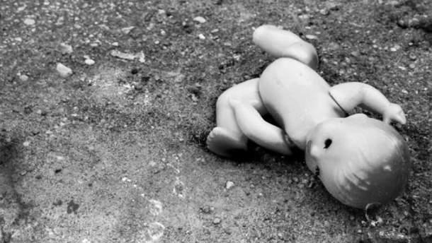 В Черкассах несовершеннолетняя мать убила своего ребенка