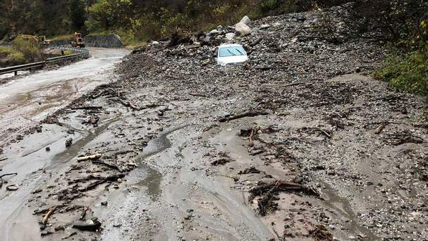 В Італії негода спричинила масштабні зсуви ґрунту